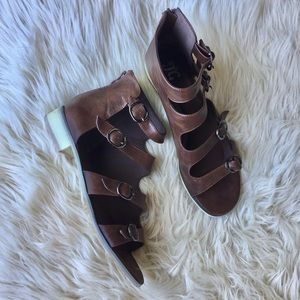 Leather Buckle Gladiator Sandals Size 12